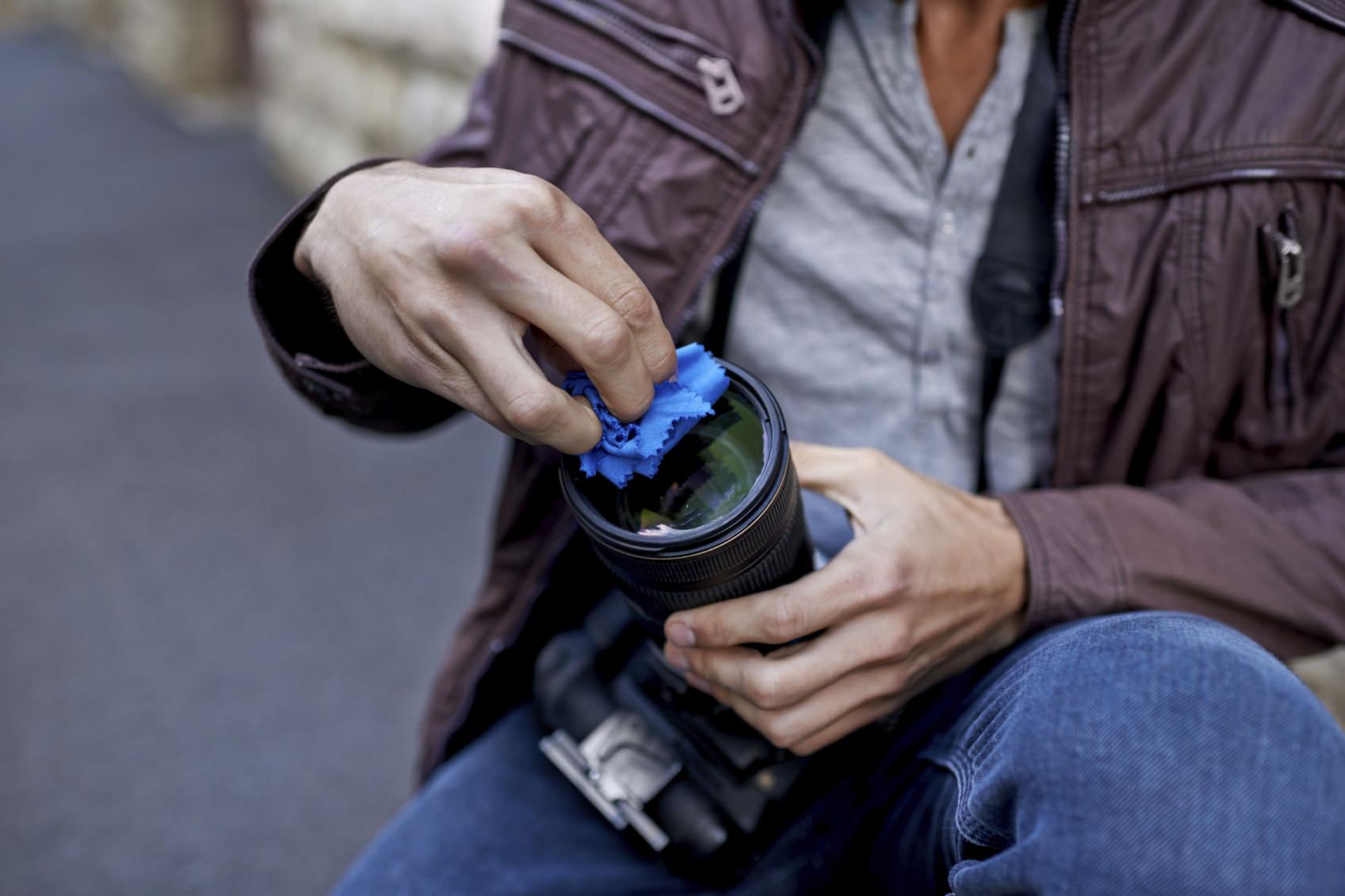Clean your DSLR Lens